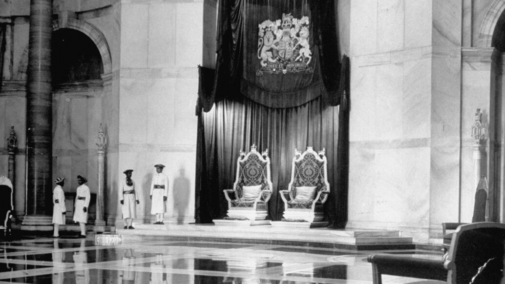 Two empty thrones for the British colonial rulers of the Indian subcontinent
